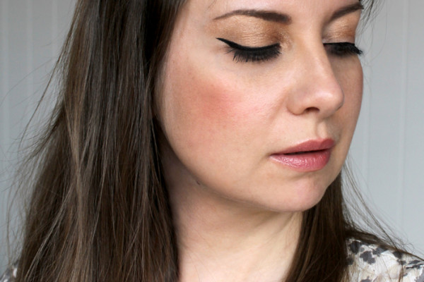 Lady Melbourne wearing 'Eye of Horus' cosmetics