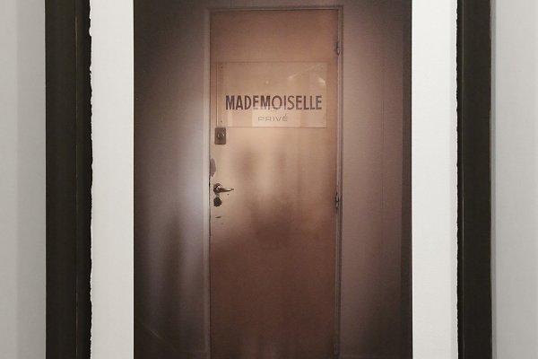 Second Floor - Sam Taylor-Johnson's photographic exhibition - Saatchi Gallery - London - 007