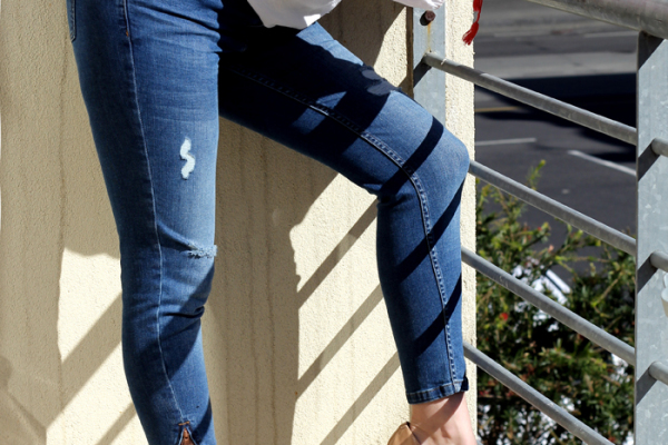 Lady Melbourne wearing Oasis 'Isabella' skinny jeans