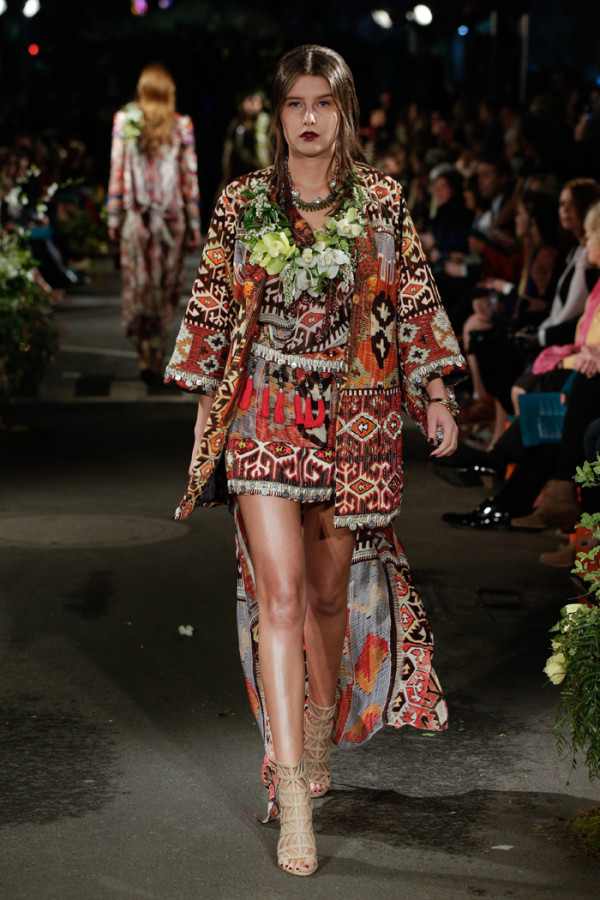 Melbourne Spring Fashion Week's opening parade 2015