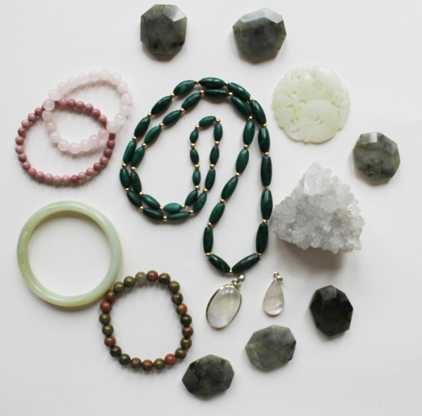 Various crystals great for pregnancy | www.ladymelbourne.com.au
