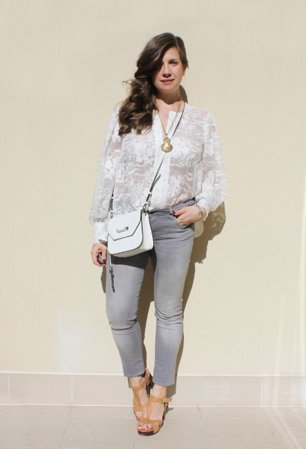 Grey skinny jeans with silk embroidered top, more on | www.ladymelbourne.com.au