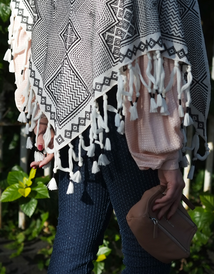 Embroidery detail on Tory Burch scarf | more on www.ladymelbourne.com.au