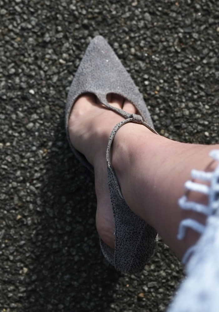 Grey leather pumps | more on www.ladymelbourne.com.au