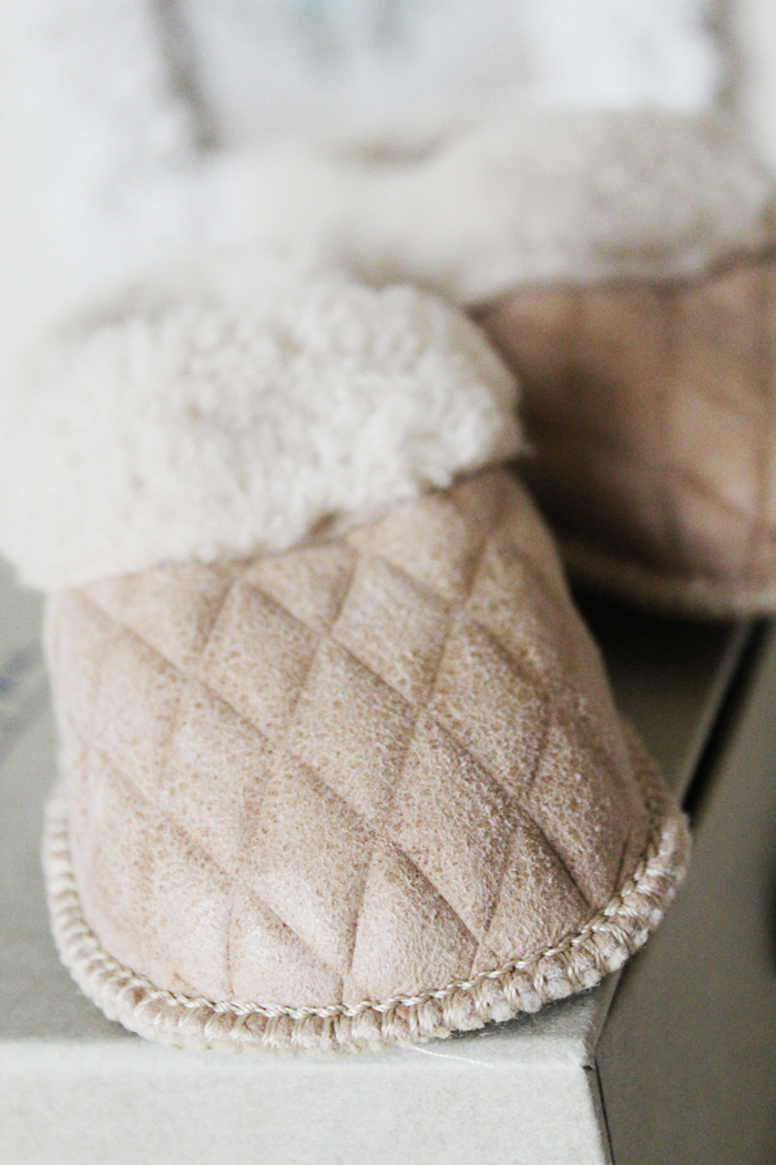 Sheepskin slippers from luxury children's brand Pappe | more on www.ladymelbourne.com.au