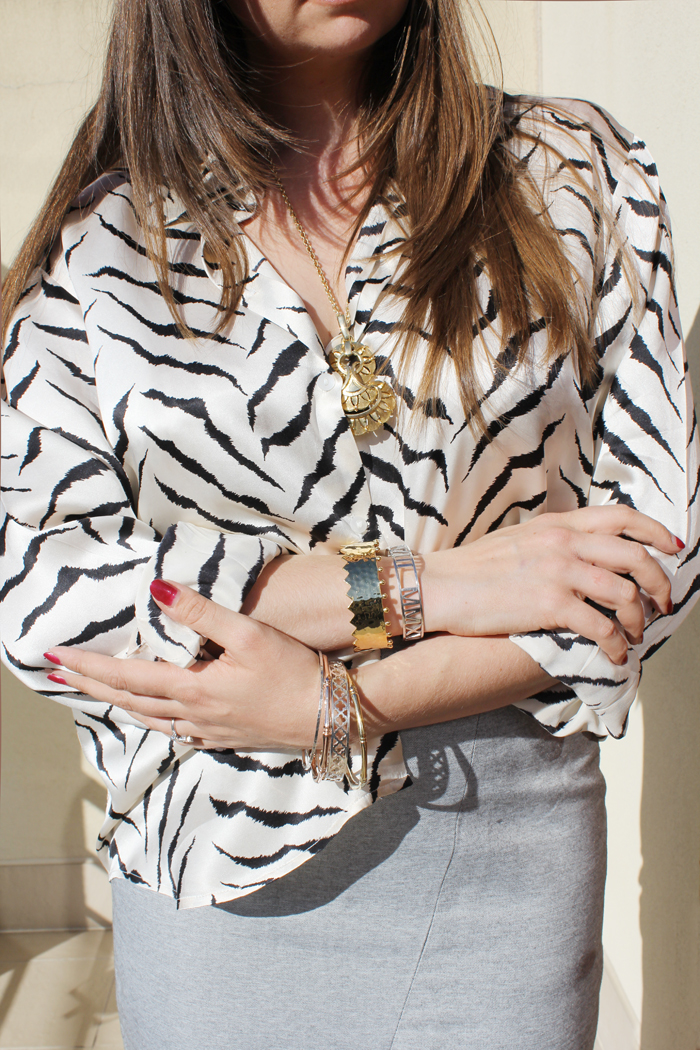 Zebra silk blouse and gold jewelry | more on www.ladymelbourne.com.au