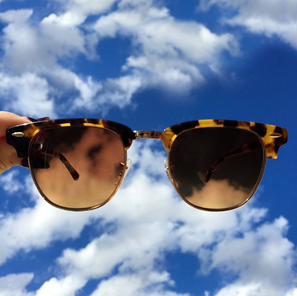 Sunglasses with bright sunshine | more on www.ladymelbourne.com.au