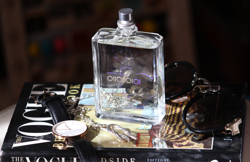 Escentric Molecule 01 Perfume