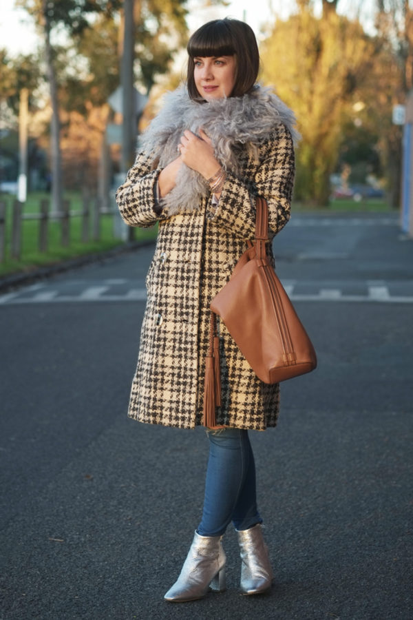 A vintage winter coat with luxe accessories | more on www.ladymelbourne.com.au